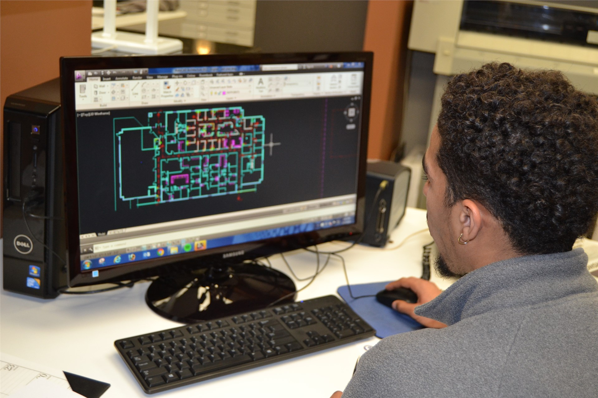 Student in Auto CAD program