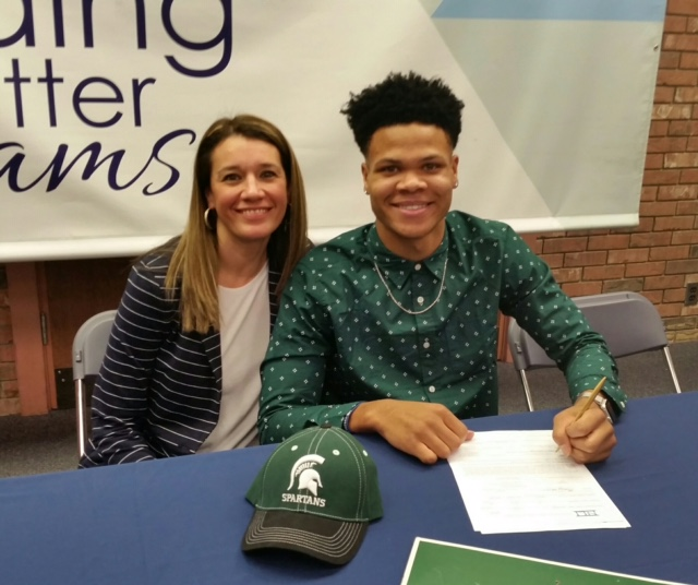 Ja'Vez Alexander signs with Michigan State