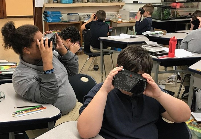 RCAAS Students Study Cells Using Virtual Reality!