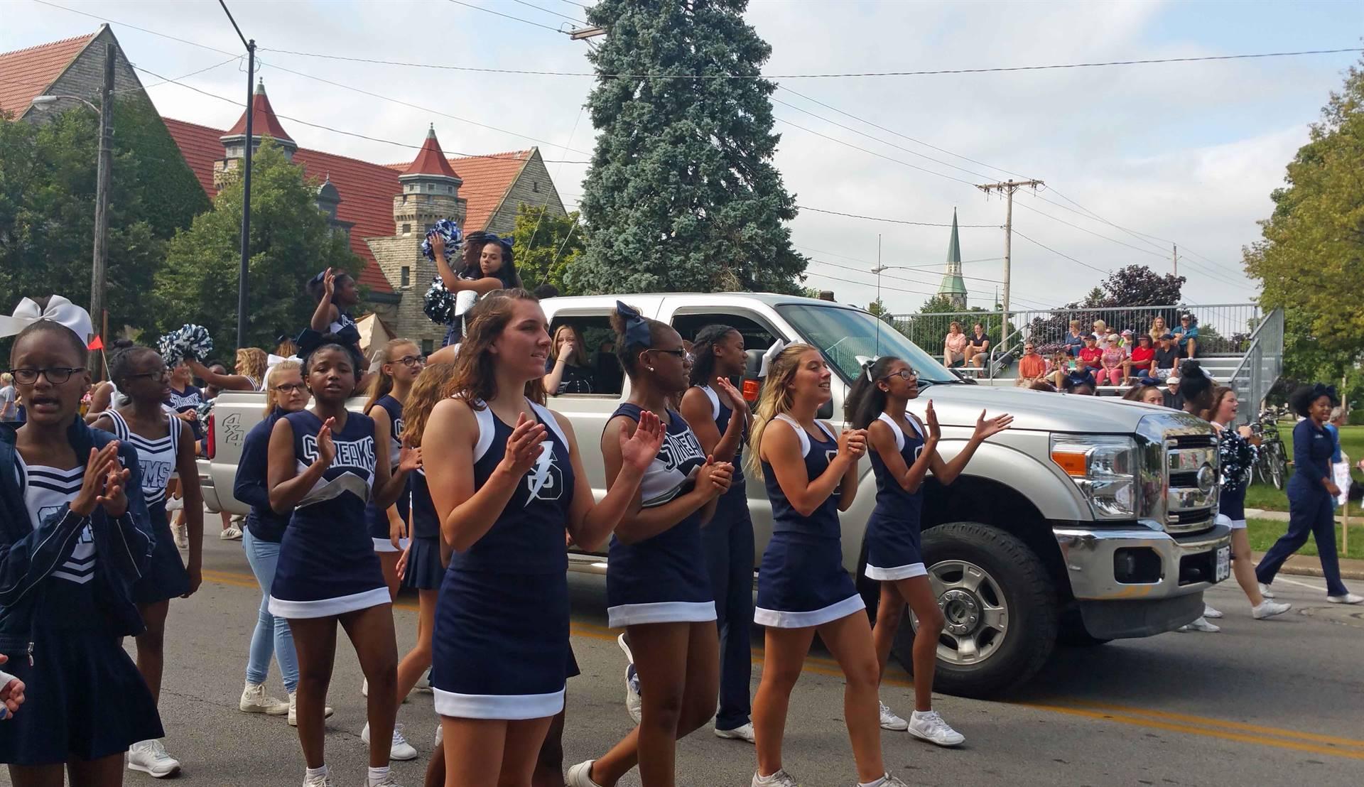 SHS Cheerleaders - Bicentennial Parade 2018